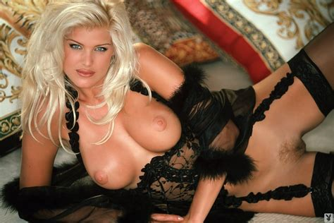 Victoria Silvstedt Playboy Nude