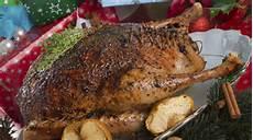 traditionelles weihnachtsessen deutschland traditionelles weihnachtsessen karpfen gans oder w 252 rstchen