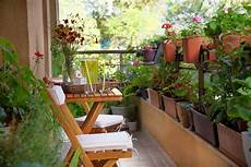 Apartment Patio Container Garden by City Gardens Best Gardening Products For Small Spaces