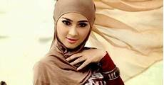 Tips Cara Memadukan Warna Jilbab Sesuai Warna Kulit Tubuh