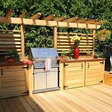 cuisine de jardin en un patio avec cuisine ext 233 rieure un 233 t 233 rempli de soir 233 es
