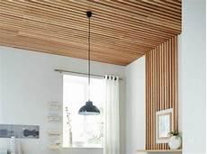 refaire plafond comment r 233 aliser un plafond en tasseaux leroy merlin