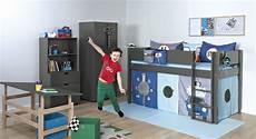 Jungen Kinderzimmer Mit Hochbett Und Schrank Town Boys