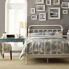 White Metal Bed Bedroom Ideas by 1000 Ideas About White Iron Beds On Wrought