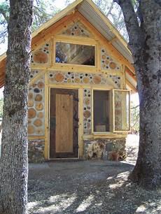 Kleines Haus Aus Holz Bauen - kleines haus aus holz f 252 r einen garten handwerken in
