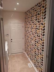 tapeten für flur come allargare visivamente un corridoio di strette dimensioni trucchi e suggerimenti quando si