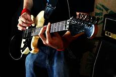 how to play jazz guitar jazz guitar lessons learn how to play jazz guitar