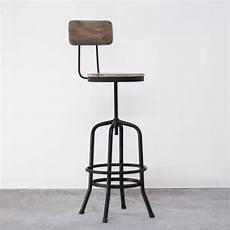 chaise haute industrielle de bar en m 233 tal avec dossier