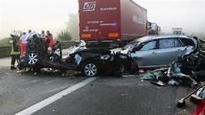 Autobahn A3 Unfall Heute - unfall auf a3 tote und verletze bei altdorf nahe n 252 rnberg