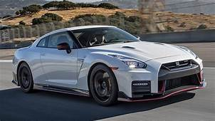 2017 Nissan GT R Nismo Hot Lap  Best Drivers Car
