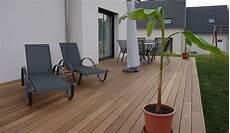 comment bien nettoyer et entretenir une terrasse en bois