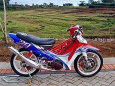 Modifikasi Motor F1zr by 12 Modifikasi Motor Yamaha F1zr Keren Terbaru Otomotiva
