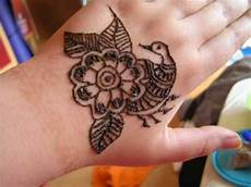 jassy s henna serie ein simples mehndi muster