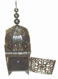 grande lanterne marocaine grande lanterne marocaine en fer forg 233 noir garni de ciselures objet de d 233 coration ou oeuvre