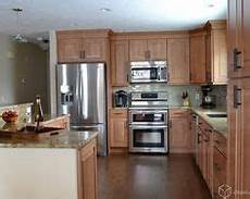 Kitchen Decorating Ideas With Maple Cabinets by Best Kitchen Paint Colors With Maple Cabinets Photo 21