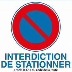 article code de la route autocollant interdiction de stationner article r 37 1 du