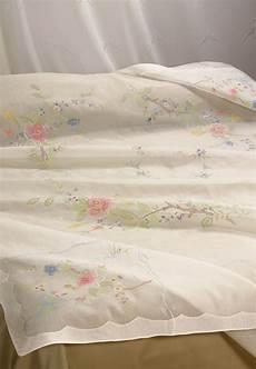 copriletti ricamati copriletto matrimoniale ricamato organza fiori familia