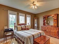 what color paint goes with brown furniture bedroom paint colors with light best bedroom
