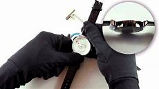 Comment Remplacer La Pile D Une Montre How To Change A