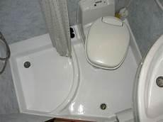 bagno roulotte roulotte con bagno e doccia