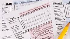 what is the difference between tax forms 1040 1040a and