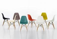 eames chair hamburg eames plastic side chair dsr by vitra stylepark
