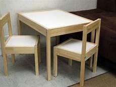 table a dessin ikea table et chaise b 233 b 233 ikea ouistitipop