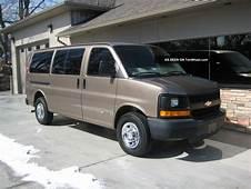 2004 Chevrolet G2500 3 / 4 Ton Express 12  Passenger Bi