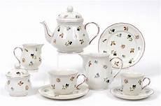 a quantity of villeroy boch fleur pattern tea and