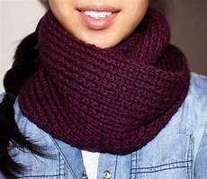 Strickmuster Schal Lochmuster - purllin acai infinity circle scarf free knitting pattern