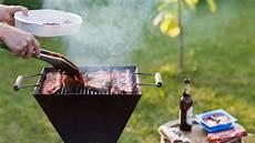 grill reinigen hausmittel grillrost reinigen mit hausmitteln f 252 r den perfekten