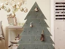 diy anleitung tannenbaum adventskalender aus holz basteln