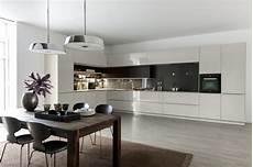 küche individuell zusammenstellen warendorf markante form und praktische nische mit dieser