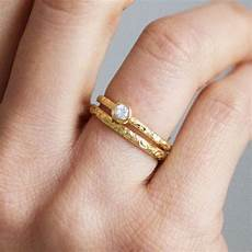 scrolls engraved ethical platinum wedding ring 2mm