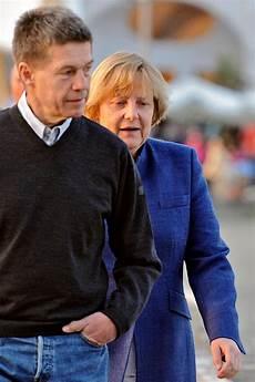 Bilderstrecke Zu Angela Merkel Unter Dem Schleier Des