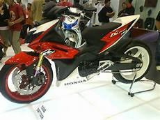Modifikasi Tirev by Foto Modifikasi Motor Honda Blade Juara Spesifikasi