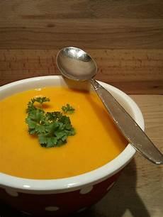 Kürbis Möhren Suppe - k 252 rbis m 246 hren kartoffel suppe ansodo chefkoch de