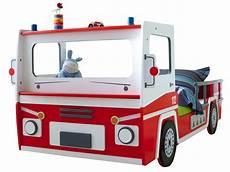 lit pompier but lit camion pompier conforama table de lit