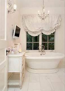 tendaggi per bagno le tende da bagno shabby chic per un ambiente unico e