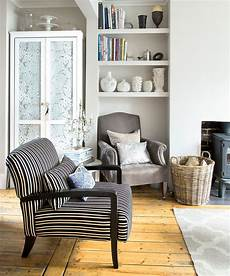 Decorating Tips For Small Living Room