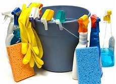 de nettoyage les produits d entretien pour la maison bien les choisir