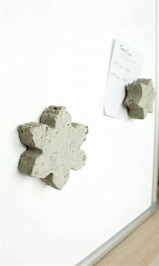diy idee individuelle magnete aus beton basteln diy