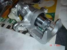 piston etrier de frein qui ne revient pas r 233 paration d 233 trier civic crx de 88 91