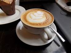 Gambar Prakris Membuat Kopi Latte Ala Cafe Santapsedap