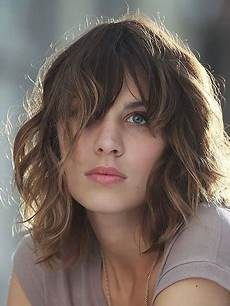 15 attractive short wavy hairstyles for the trend spotter