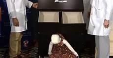 cassettiere ikea bambini otto bambini morti schiacciati ikea ritira 29 milioni di