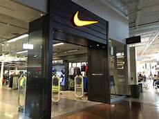 10 things that you see at a nike factory store