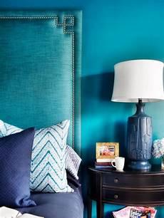mur bleu paon peinture bleu paon inspir 233 e par une riche palette naturelle