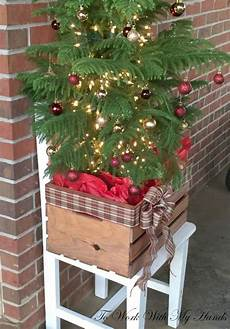 Wood Decorations Outdoor by 50 Cheap Easy Diy Outdoor Decorations