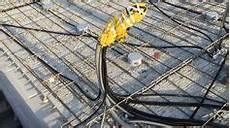 fertighaus elektroinstallation selber machen wie leerrohre verlegen in rohbaudecke